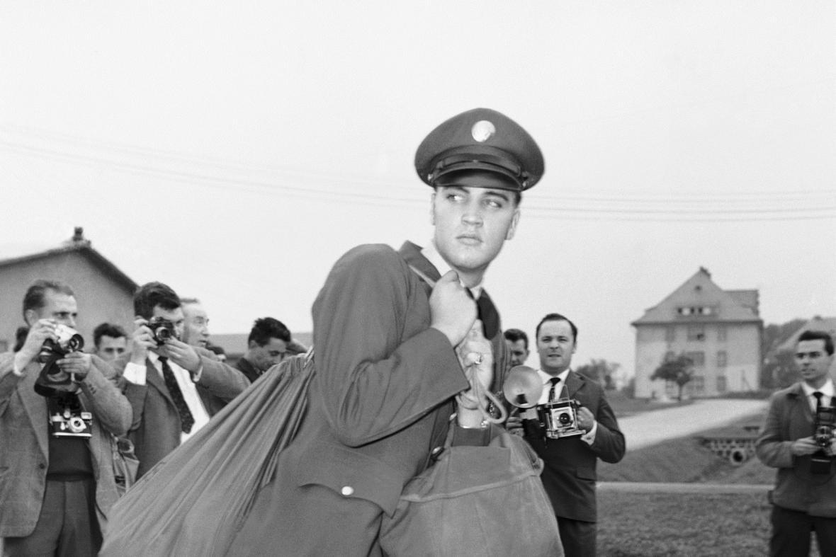 Elvis Presley v armádě, 1958