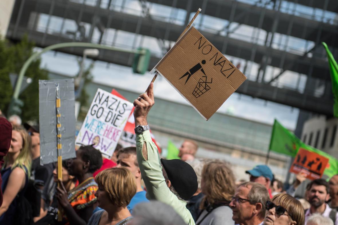 Protest proti setkání příznivců extrémní pravice