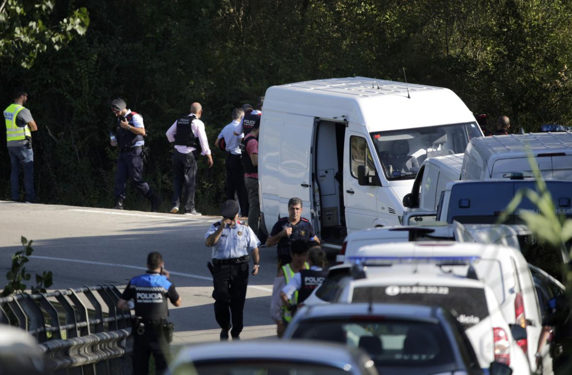 Policejní zátah u Subirats