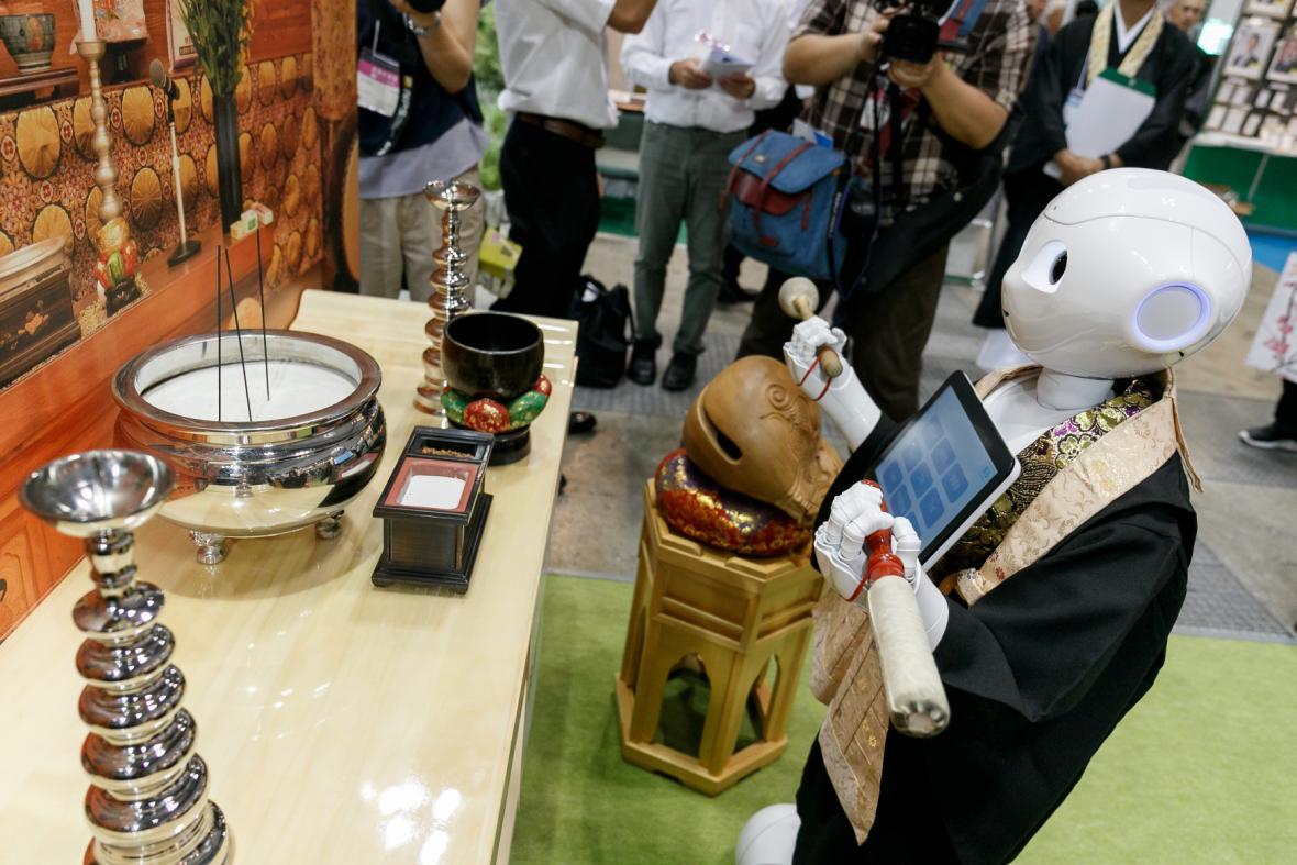 Robotický buddhistický kněz Pepper