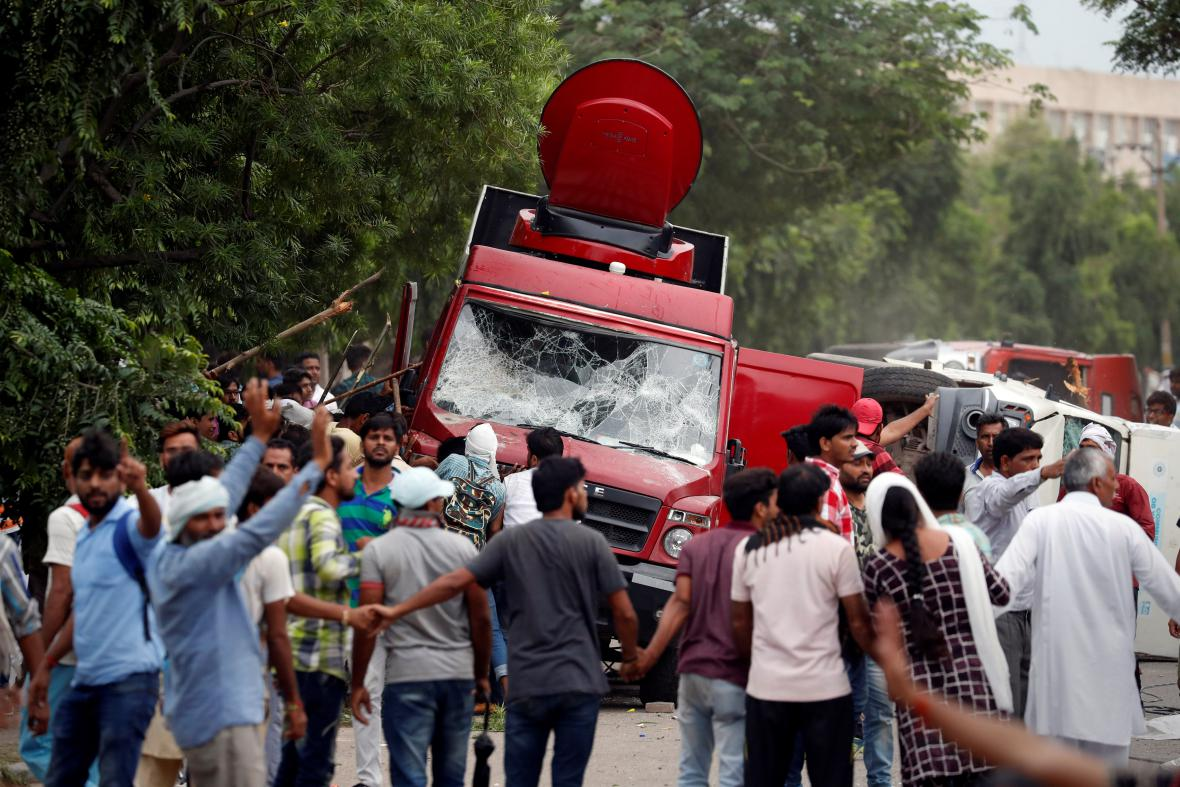 Násilnosti v Indii po odsouzení guru