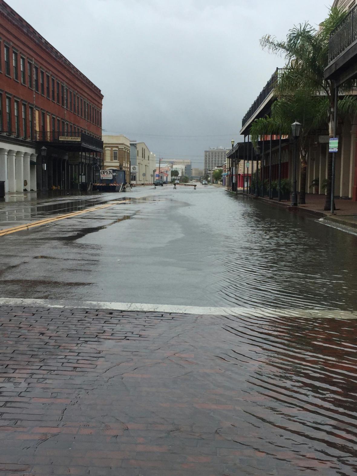 Zaplavená ulice v Galvestonu