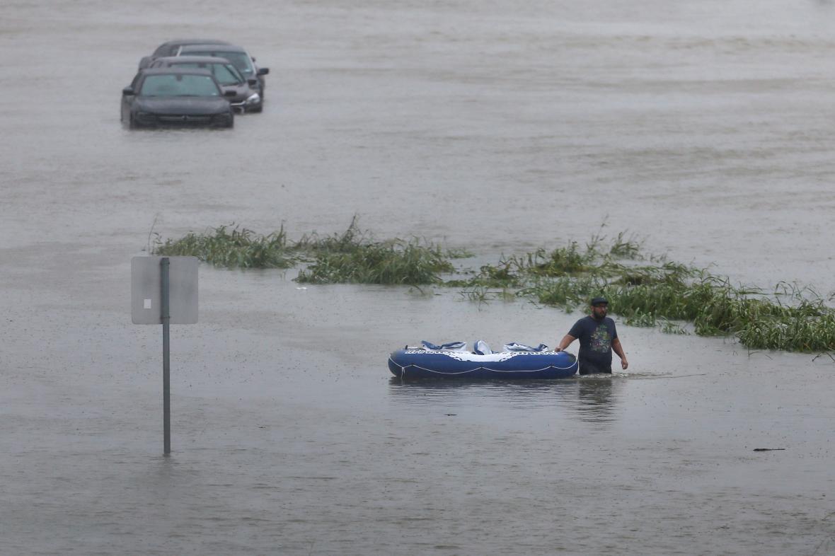 V Texasu stoupá hladina vody