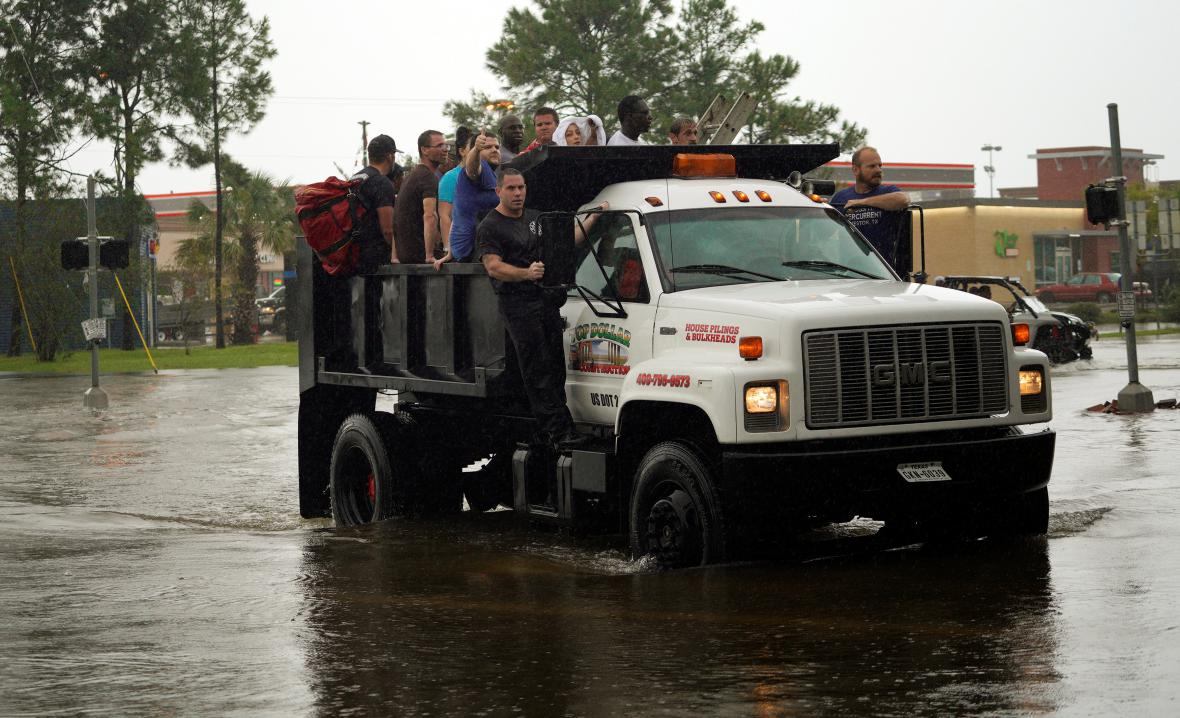 Evakuace v Dickinsonu
