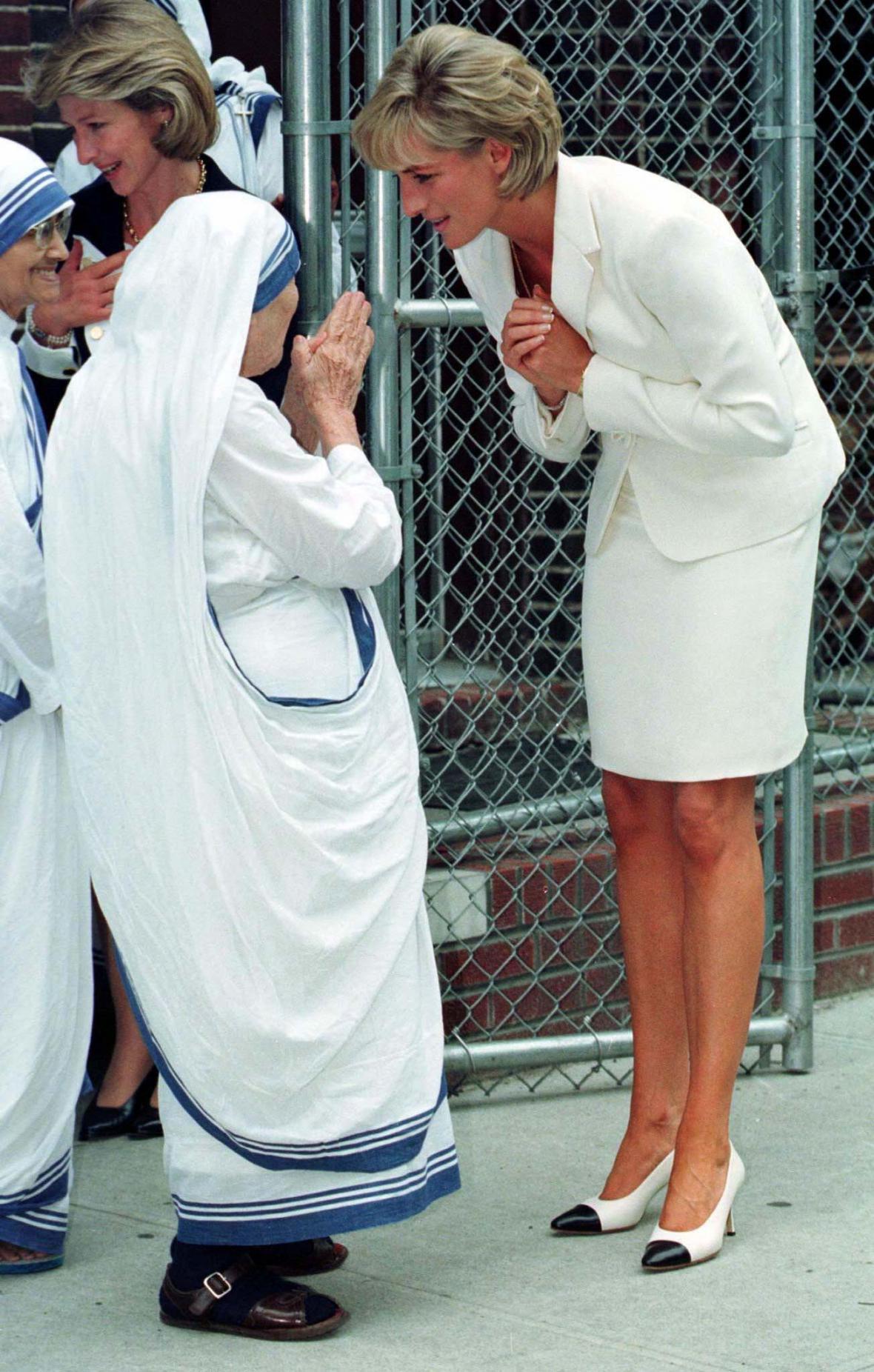 S Matkou Terezou pojila Dianu práce pro potřebné (setkání v New Yorku, červen 1997)