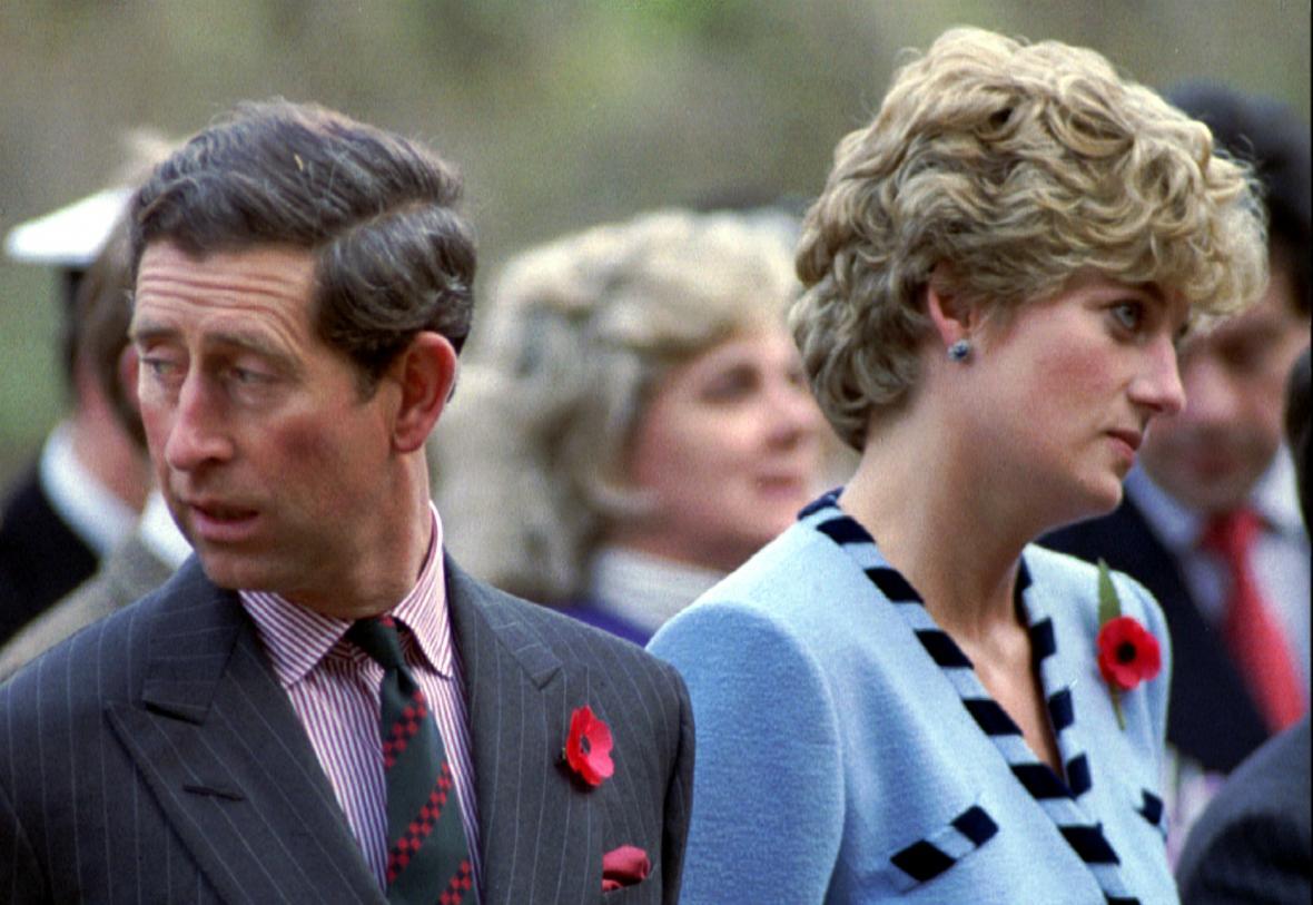 V roce 1992 se už Charles s Dianou nesnažili skrývat vzájemné rozpory