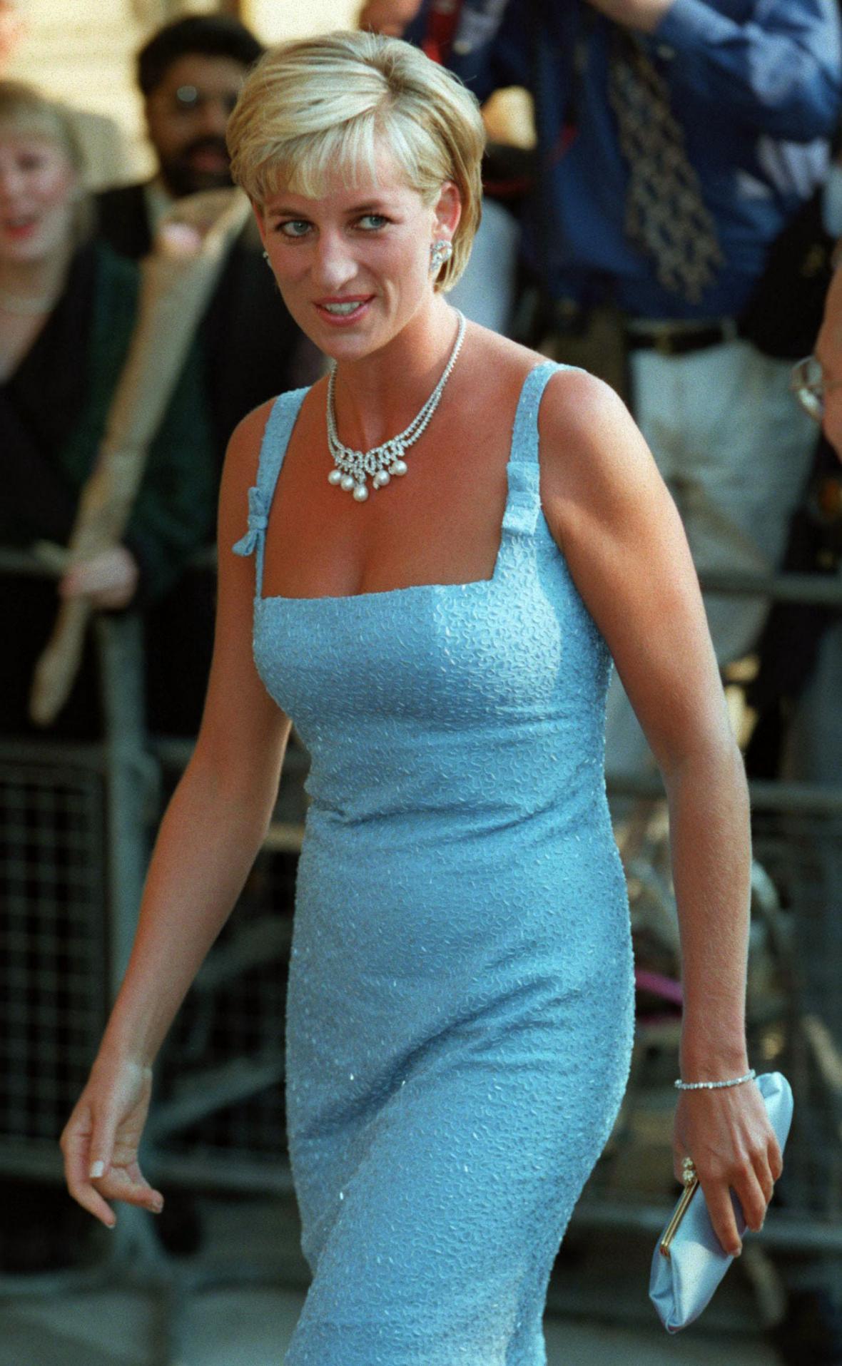 Jedno z posledních veřejných vystoupení před smrtí. V červnu 1997 přišla Diana v Londýně Labutí jezero