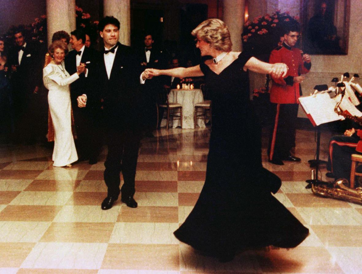 V listopadu 1985 si princezna zatančila v Bílém domě s Johnem Travoltou