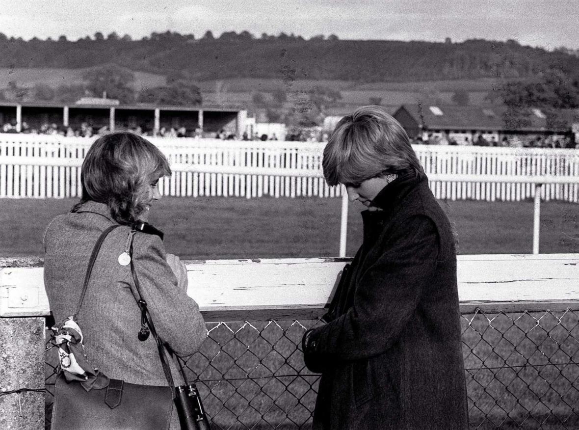 Diana a Camilla Parker-Bowlesová v roce 1980