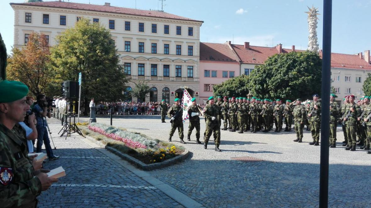 Ve Vyškově ve čtvrtek složilo přísahu na 150 nových vojáků