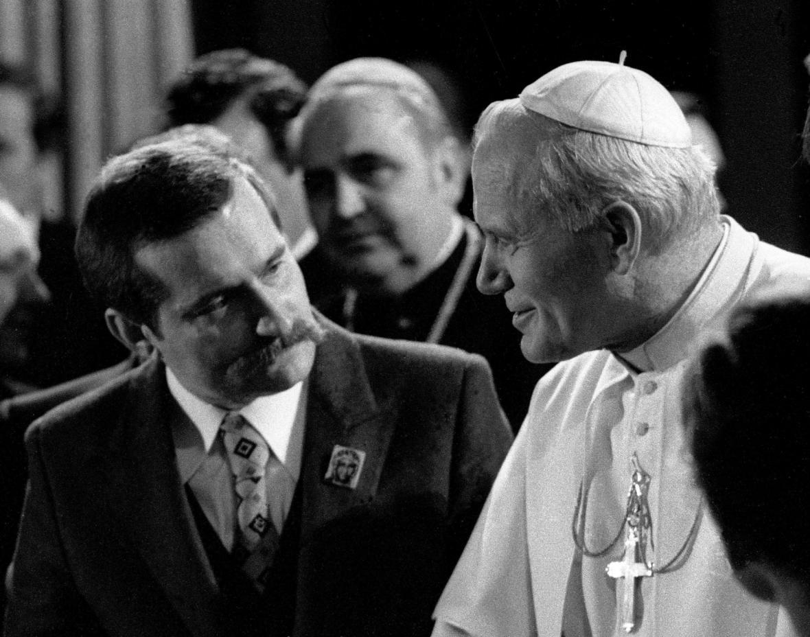 Walesa při audienci u papeže Jana Pavla II. v červnu 1983