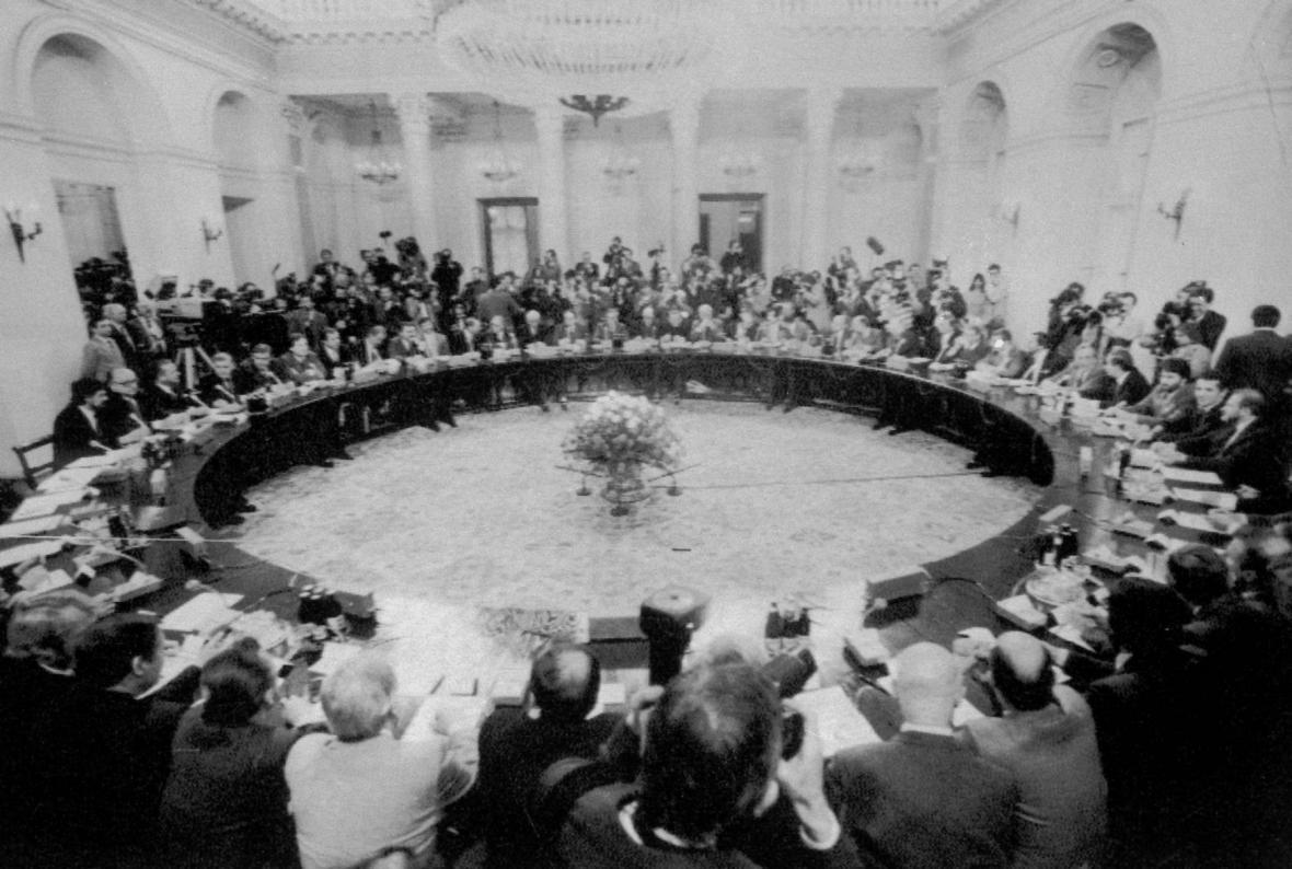 Kulatý stůl ve Varšavě 1989