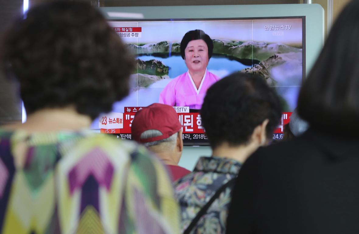 Severokorejská státní televize oznamuje provedení úspěšného testu vodíkové bomby