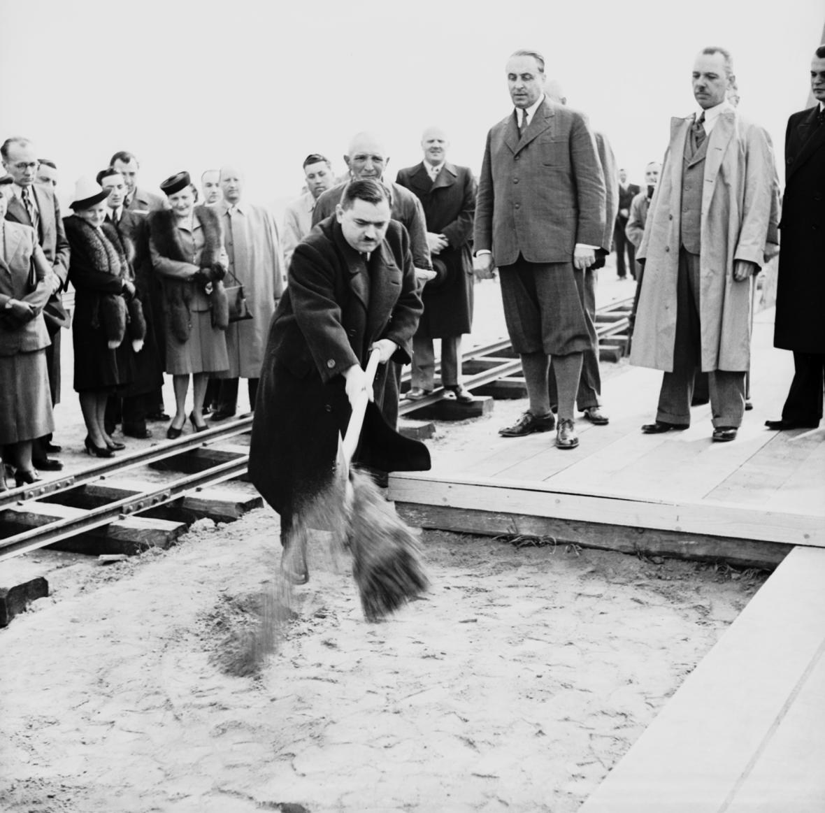 Zahájení stavby dálnice v roce 1939