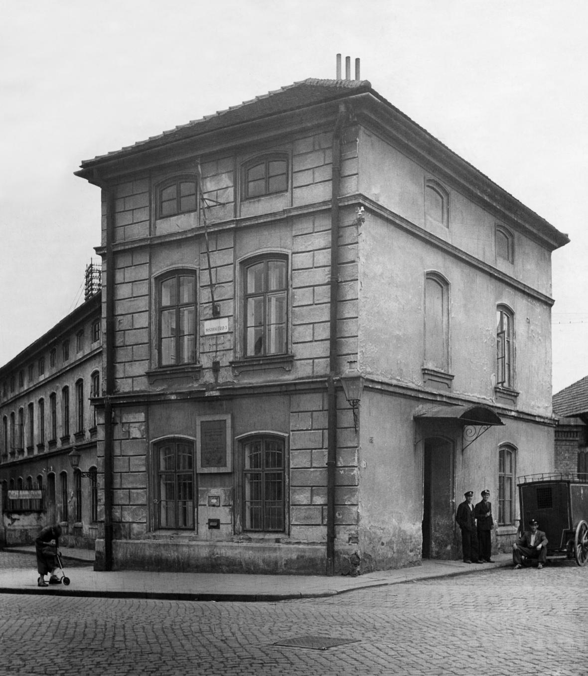 Místecká pošta, kde Petr Bezruč pracoval v letech 1891-93