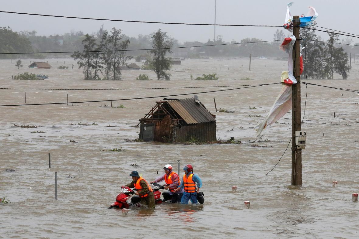Vietnamem se prohnal tajfun Talim