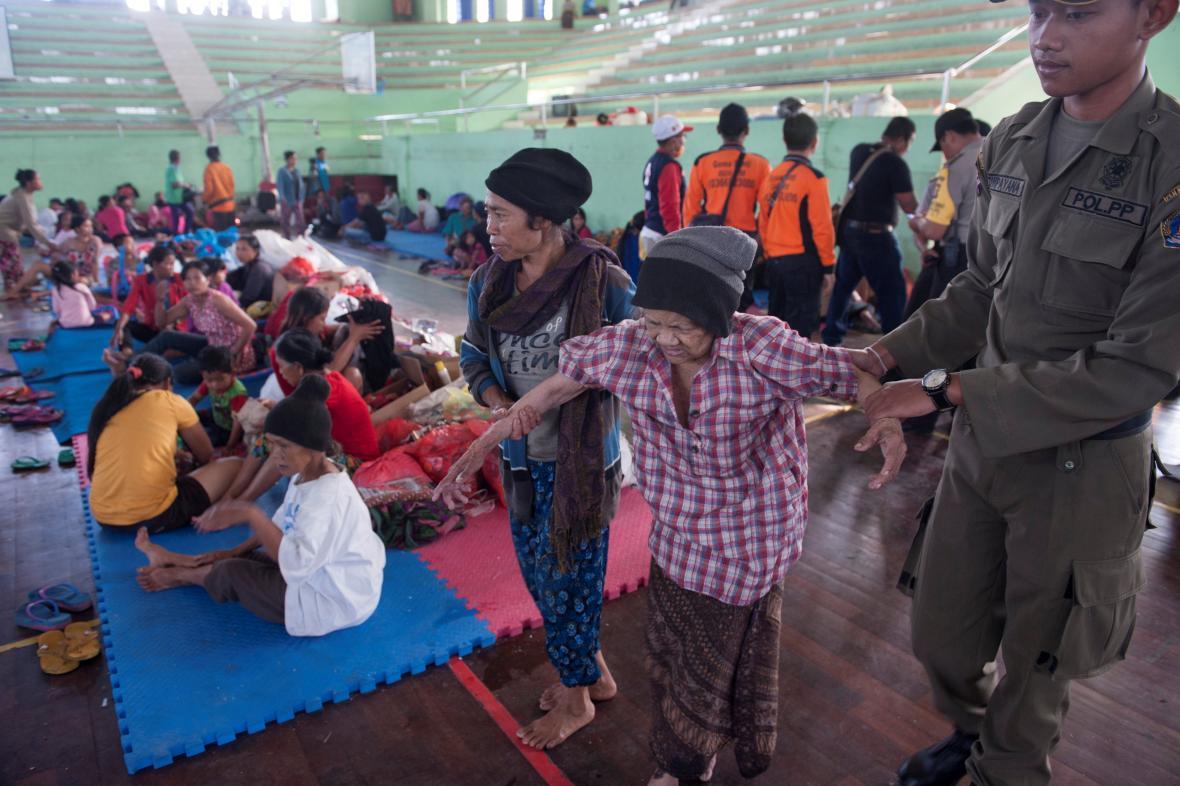 Evakuovaní obyvatelé Bali