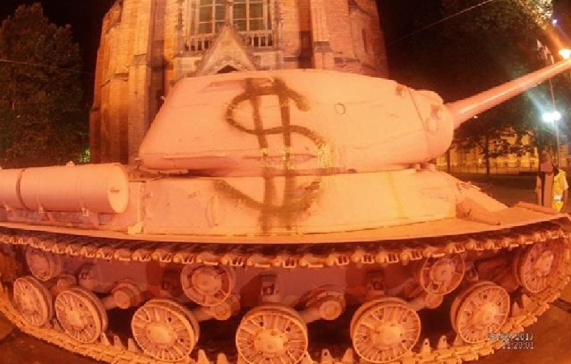 Pomalovaný tank