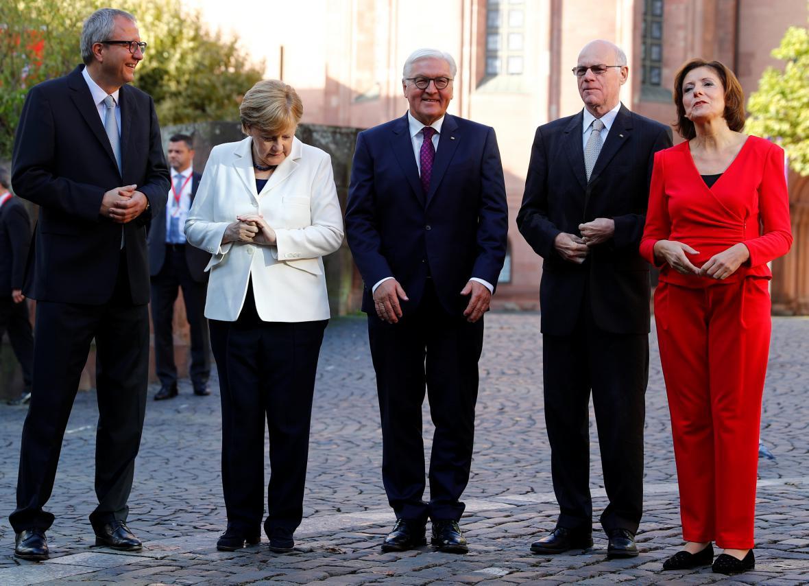 Merkelová, Steinmeier a Lammert během oslav v Mohuči