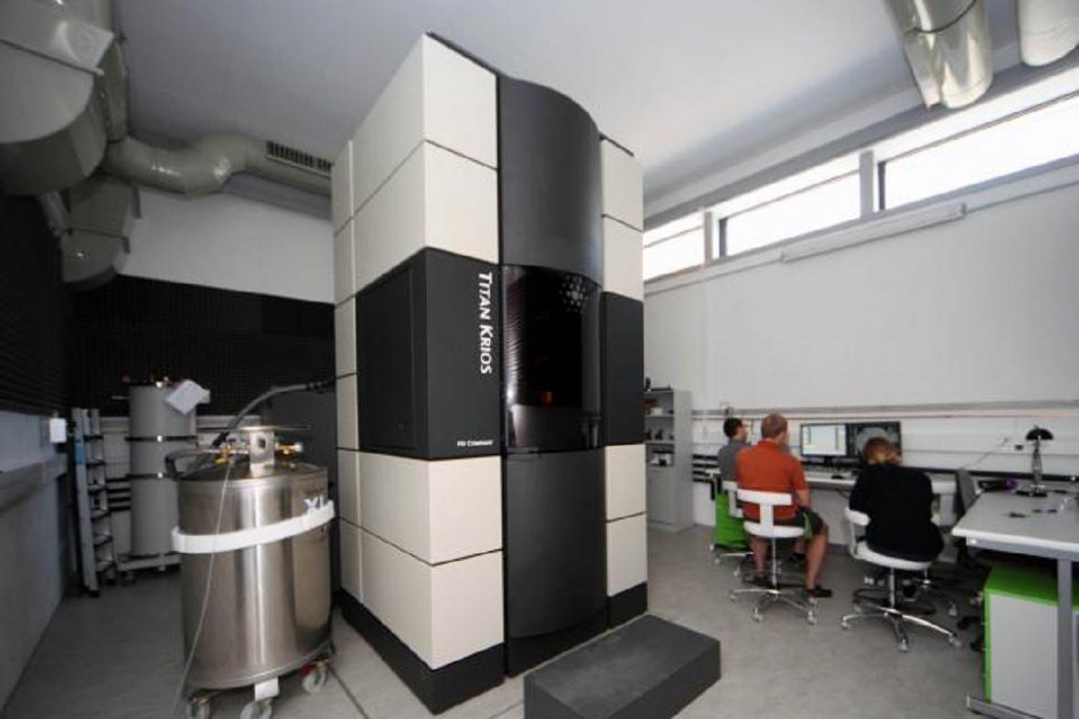 Kryo-elektronový mikroskop FEI Titan Krios