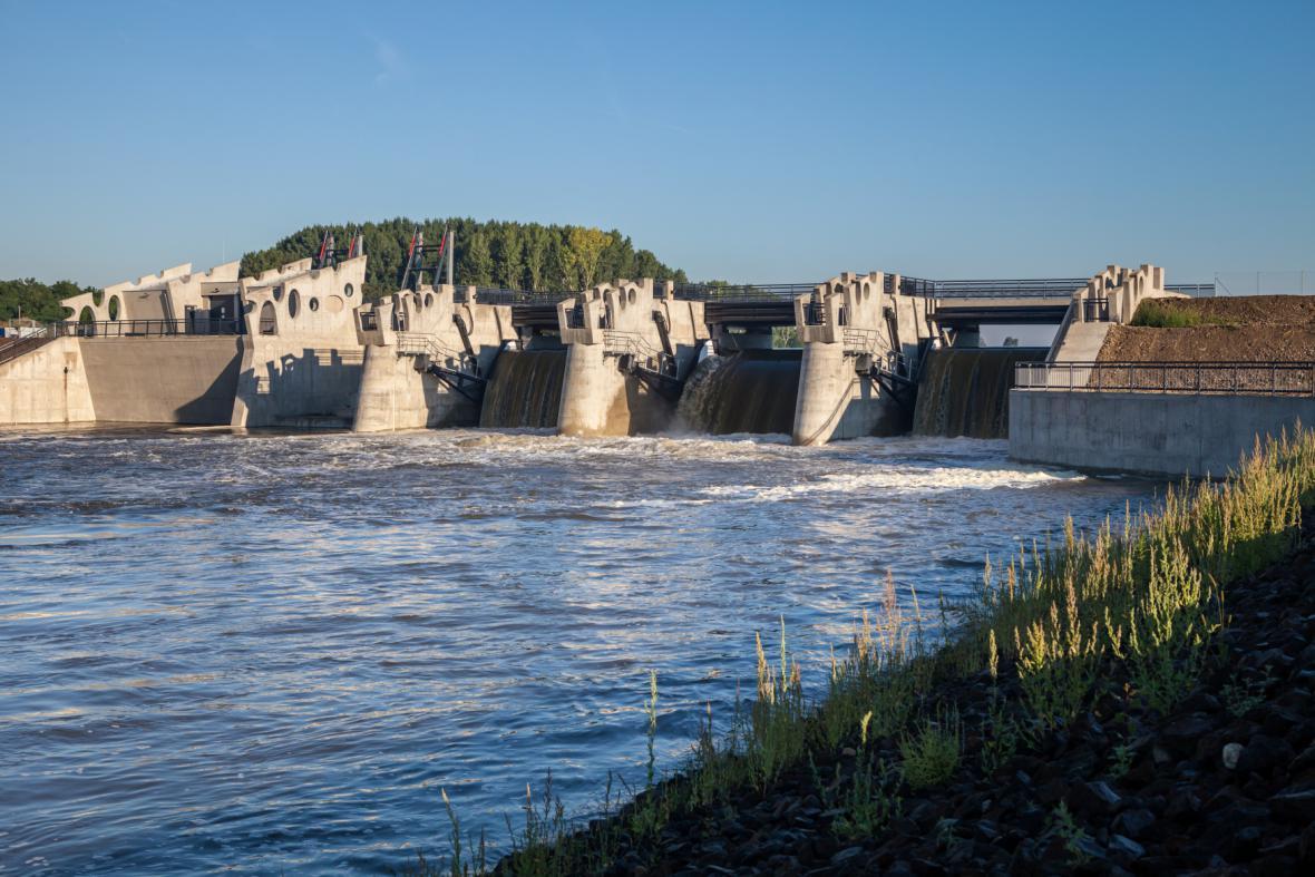 Stavba vodního díla Želiezovce