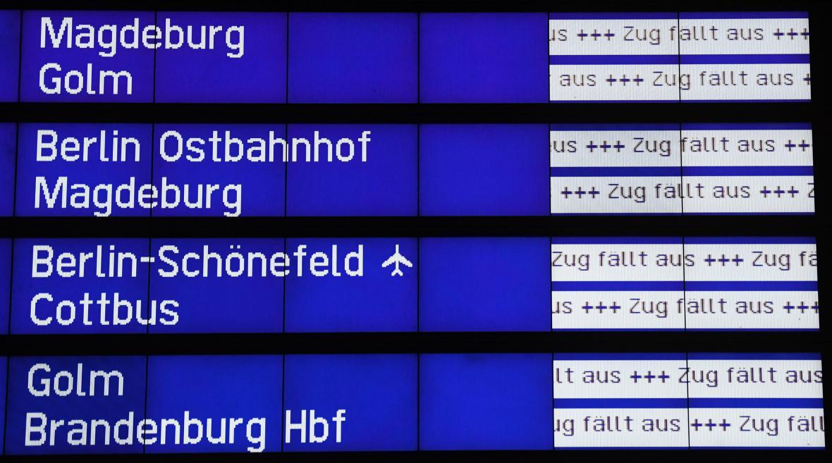 Bouře Xavier zastavila v části Německa vlaky