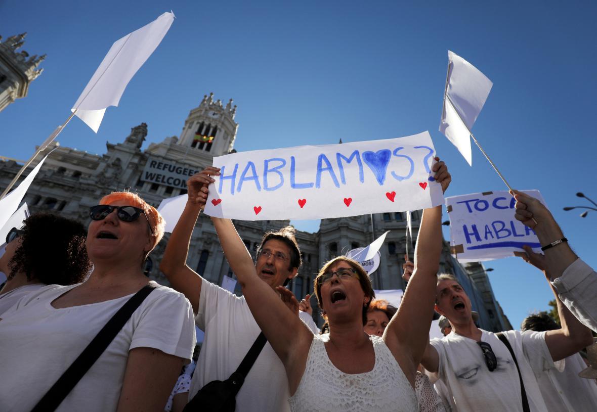 Demonstrace za dialog Barcelony s Madridem
