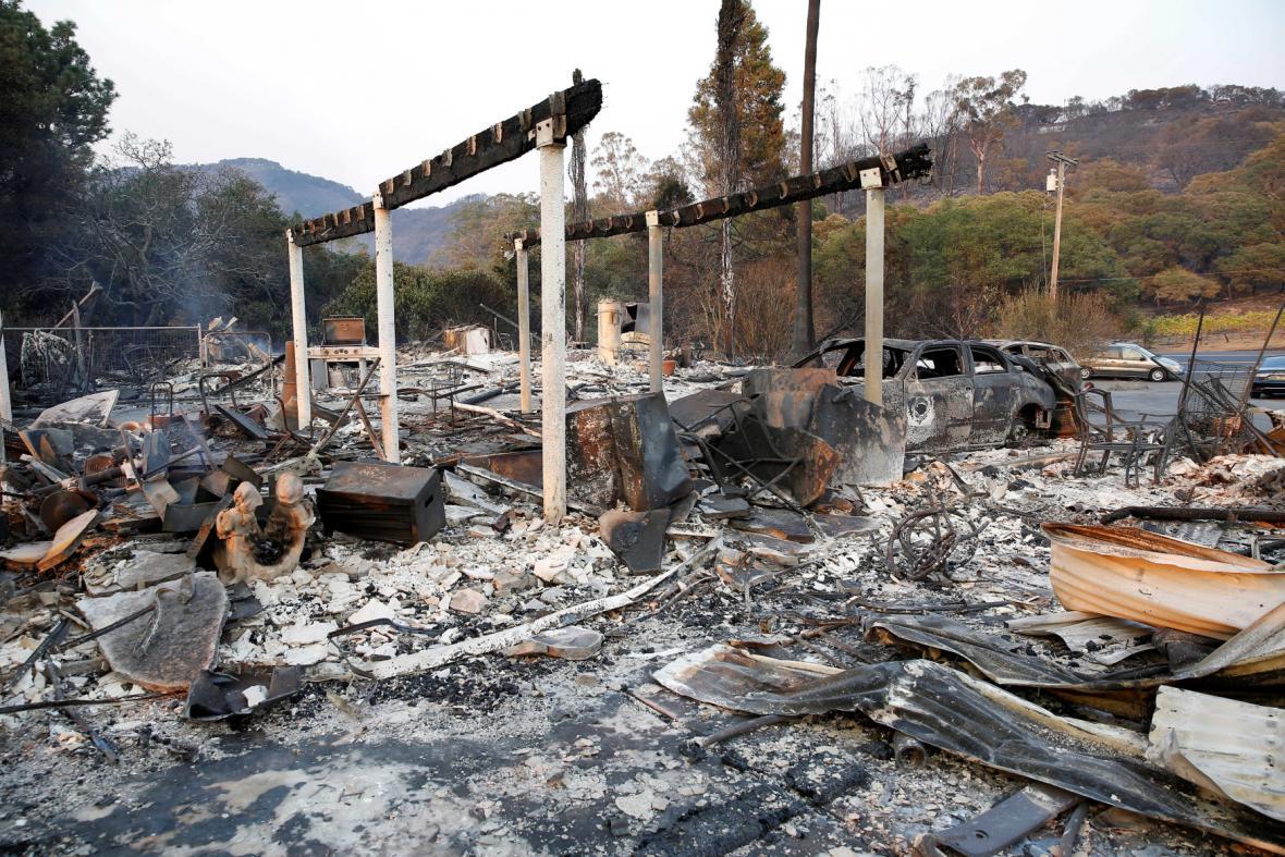 Následky požáru v Santa Rose