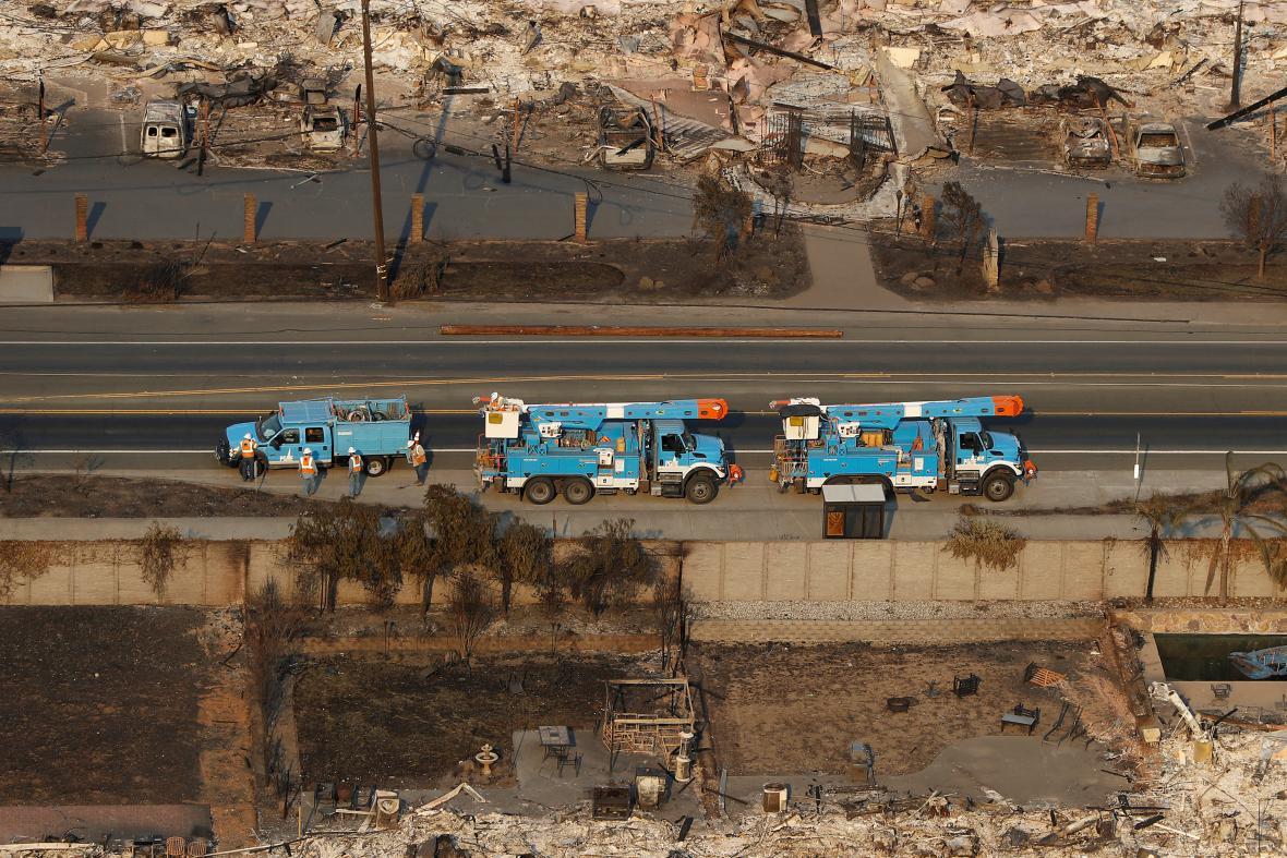 Zničené domy v Santa Rosa