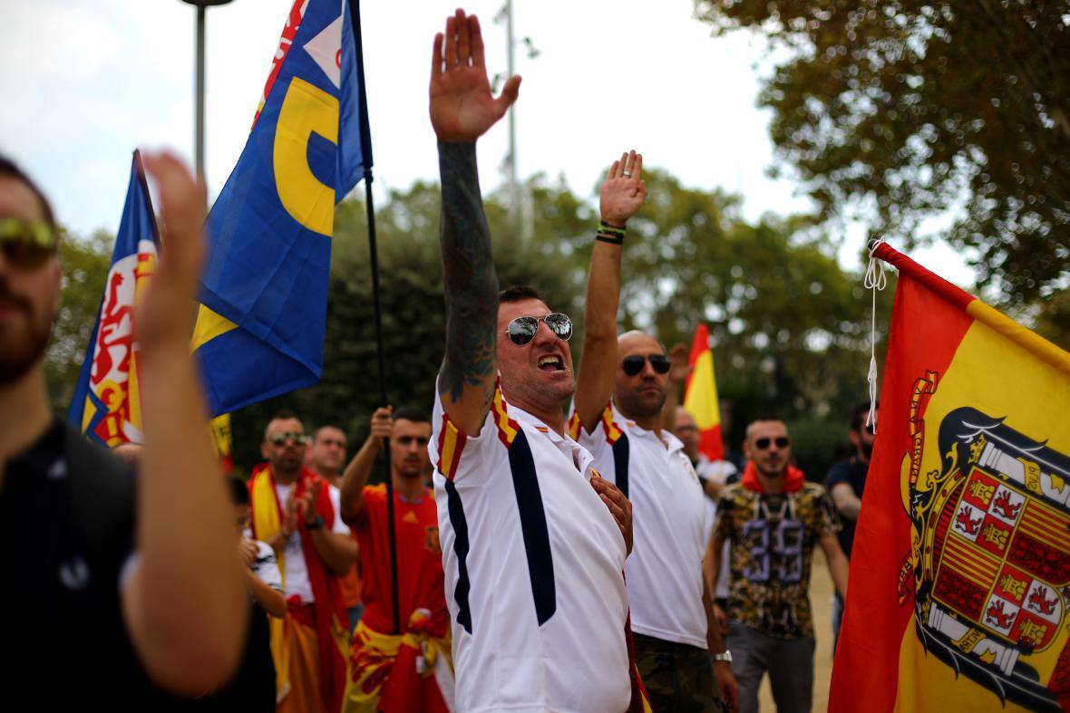 Do ulic Barcelony vyrazila i krajní pravice