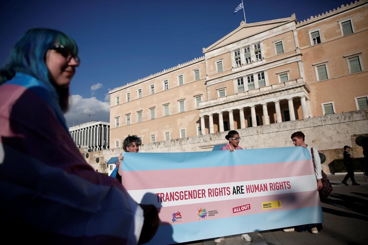 Aktivisté před řeckým parlamentem