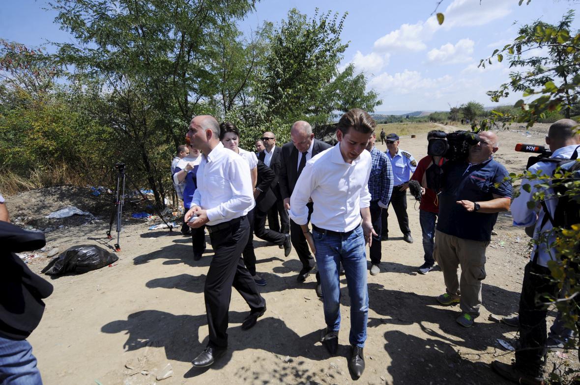 Kurz během vrcholící uprchlické krize na řecko-makedonské hranici