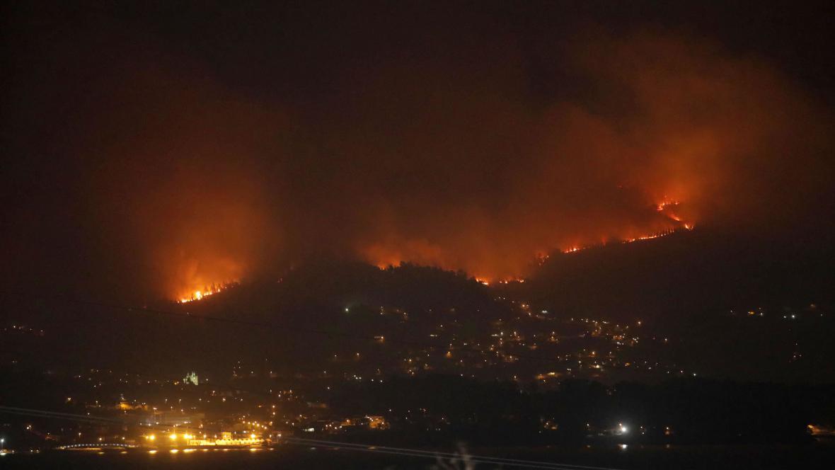 Lesní požár ve španělské Galicii