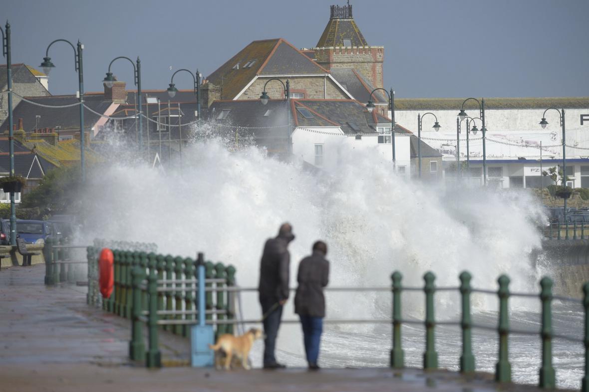Irsko zasáhla bouře Ophelia
