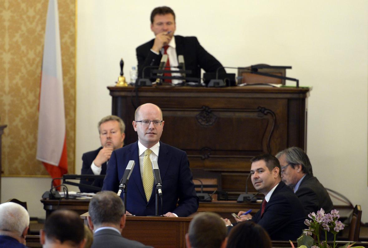 Premiér Bohuslav Sobotka (ČSSD) vystoupil na schůzi sněmovny kvůli memorandu o těžbě lithia