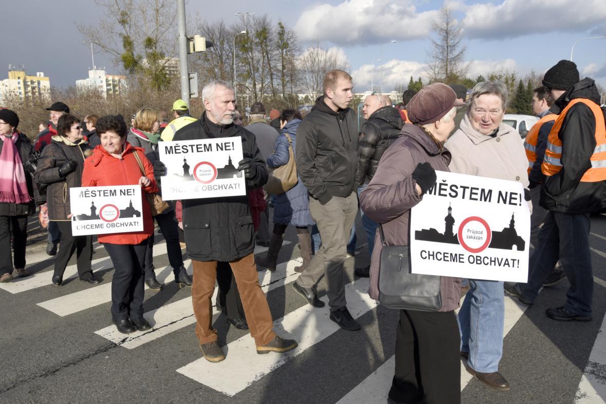 Za stavbu dálničního obchvatu Frýdku-Místku protestovali lidé opakovaně. Zatím to příliš nepomohlo