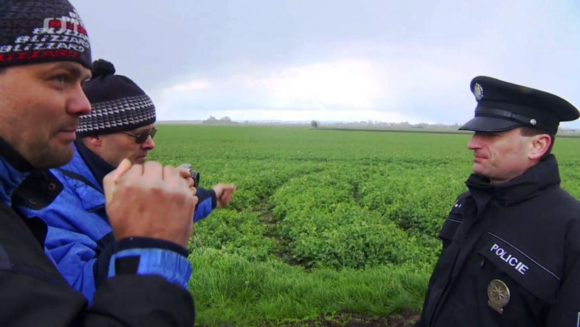 Spor mezi zemědělci, geodety a stavbaři musela řešit policie