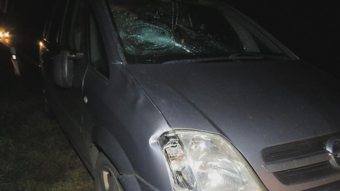 Nabourané auto po nehodě s chodcem