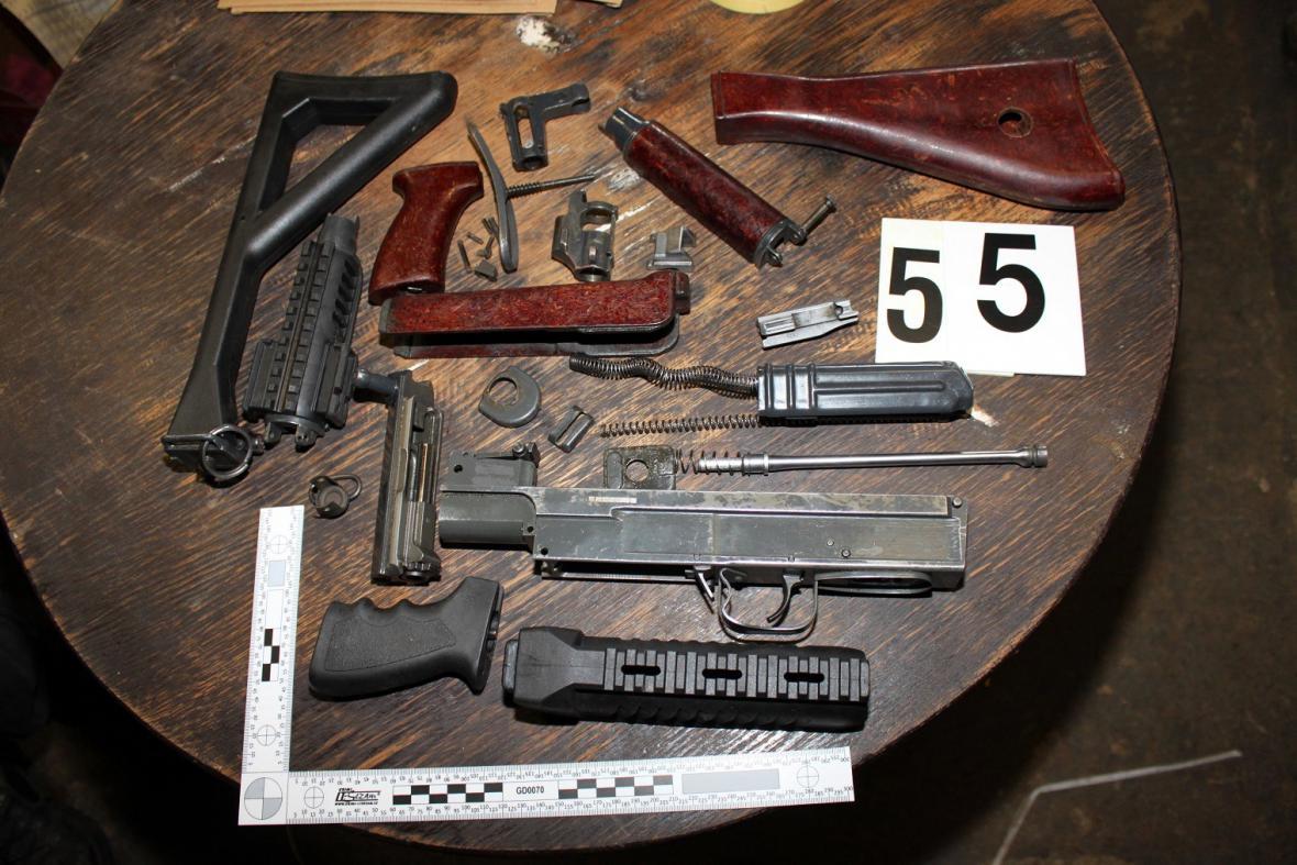 Zabavené části zbraní