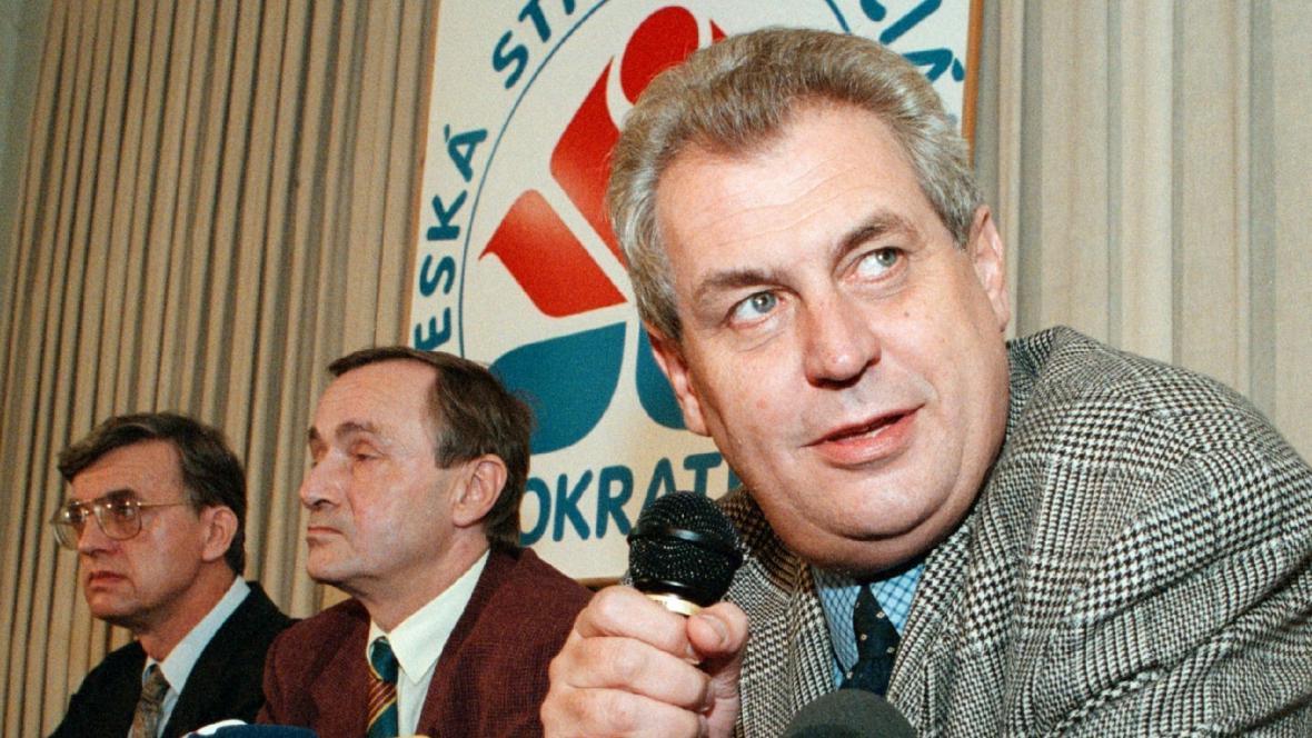 Miloš Zeman na snímku z roku 1998