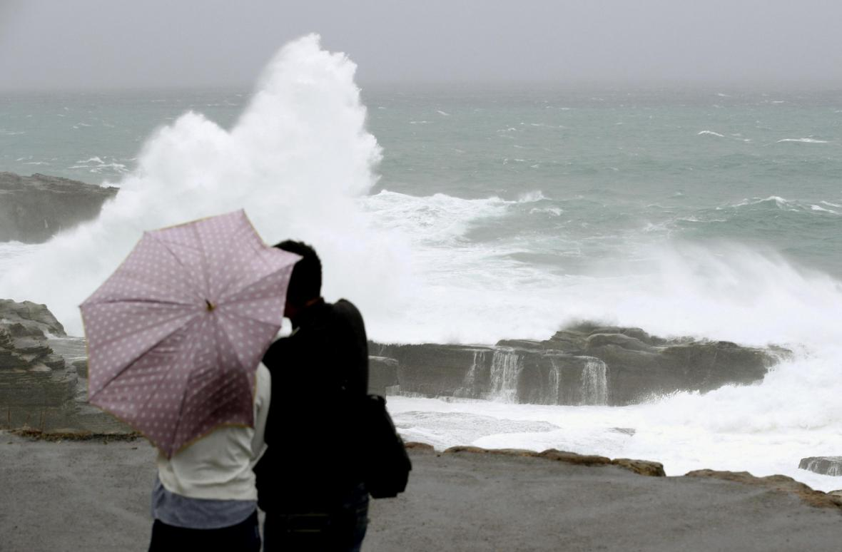 Bouře blížící se do Japonska