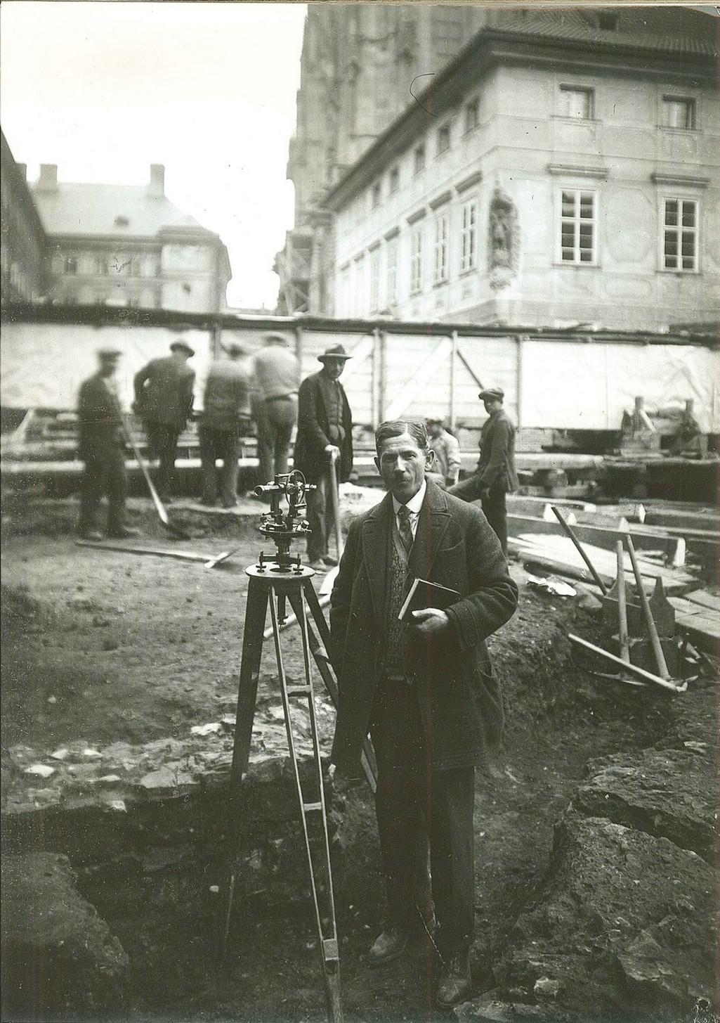 Z výstavy Obnova Pražského hradu