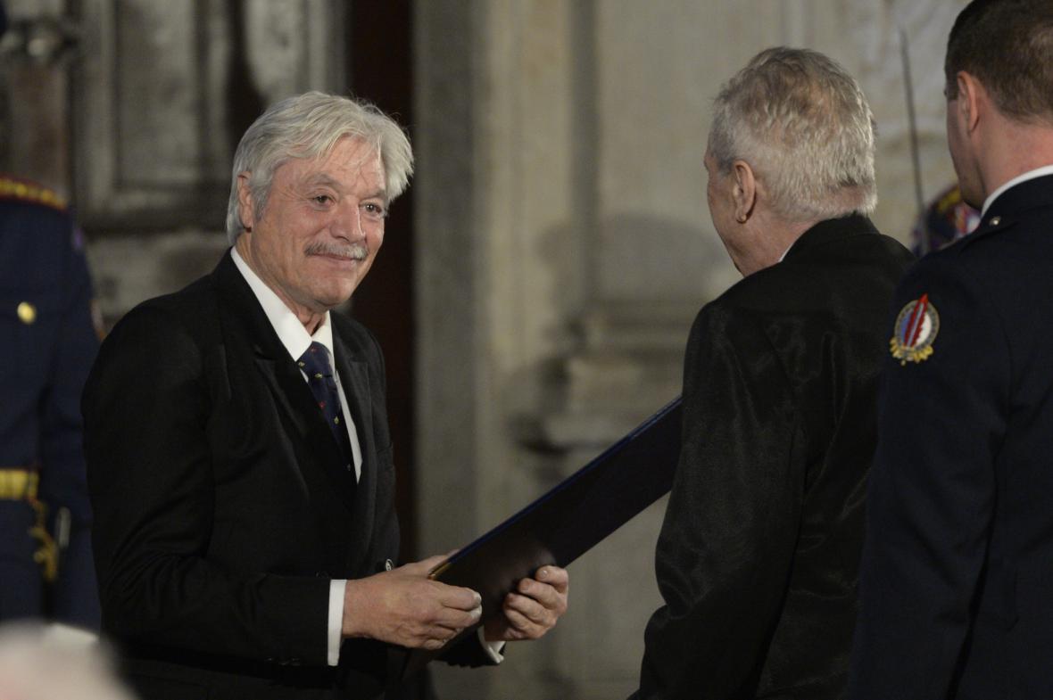 Slovenský herec Juraj Kukura obdržel medaili za zásluhy