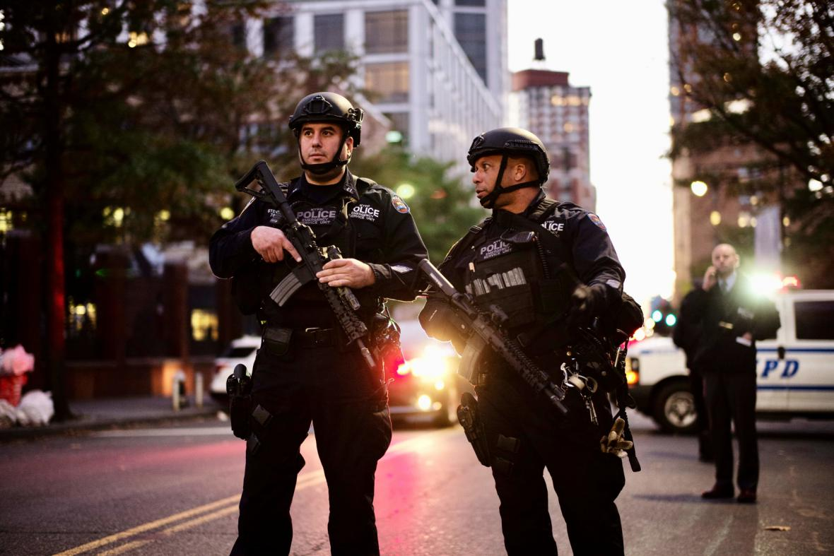 Policie hlídkuje v ulicích Manhattanu