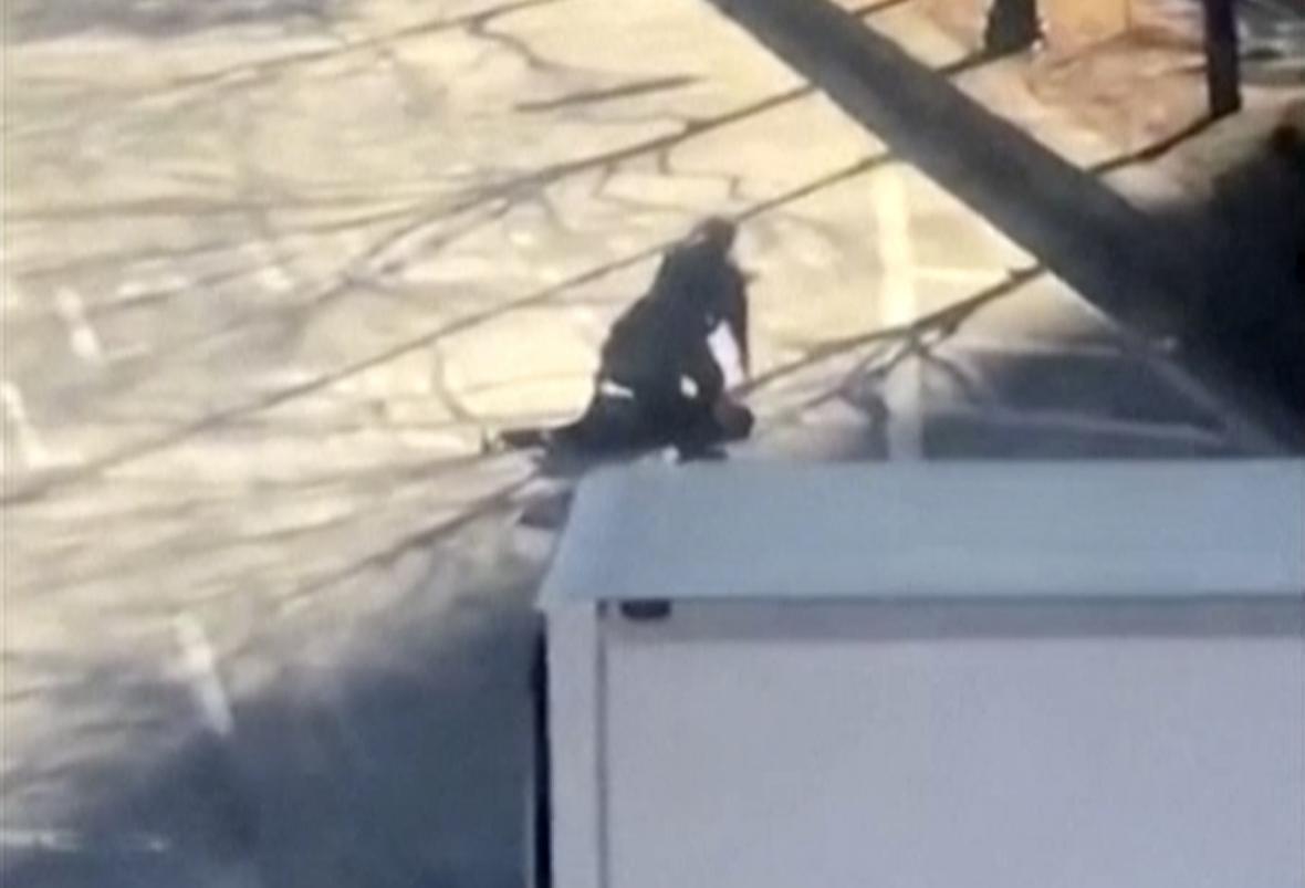 Policie zpacifikovala podezřelého krátce po útoku