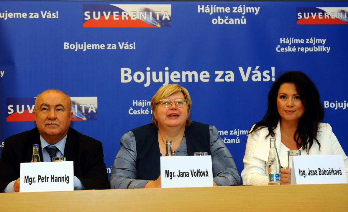 Petr Hannig, Jana Volfová a Jana Bobošíková při představování priorit pro senátní a komunální volby (10. 8. 2010)