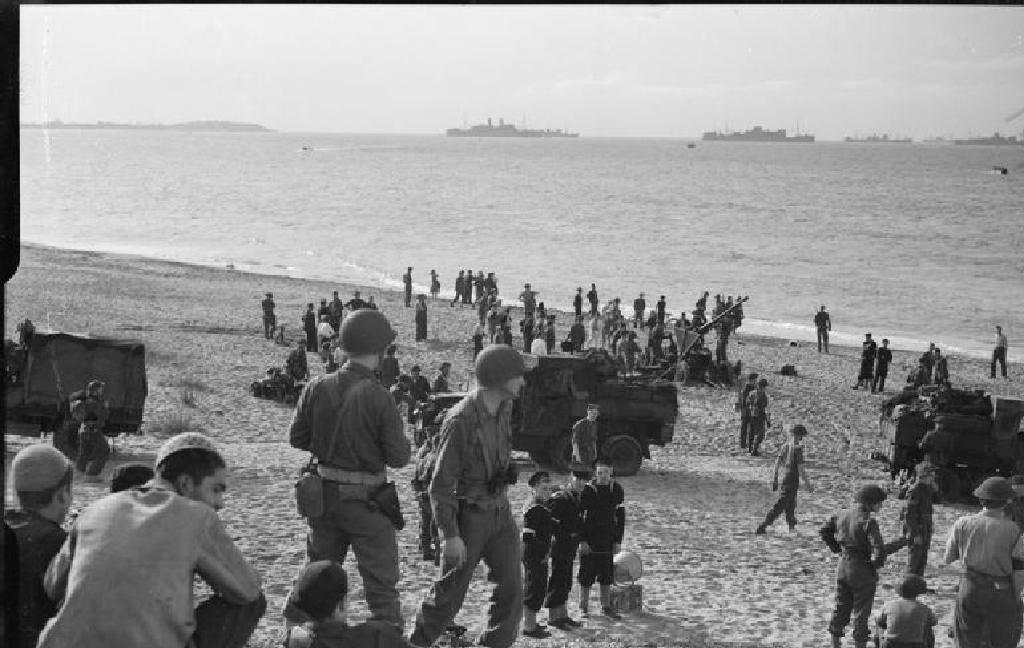 Spojenečtí vojáci v Africe (1942)