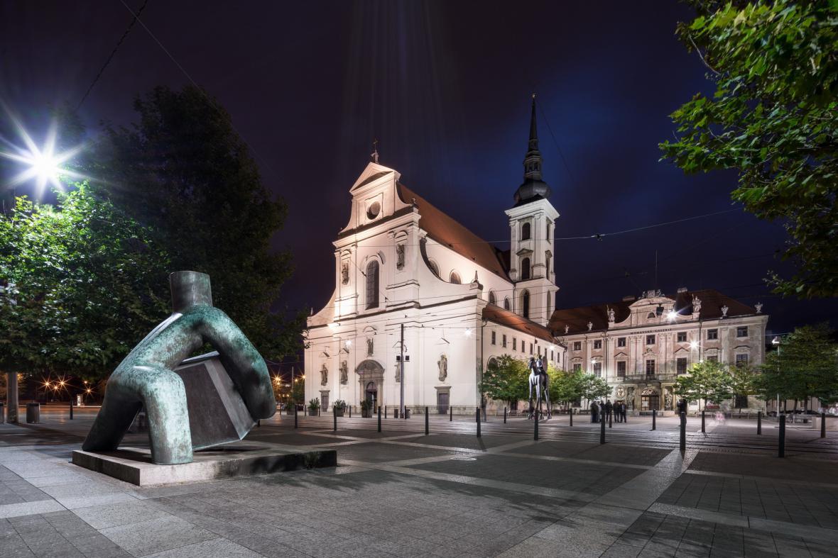 Moravské náměstí v Brně (Petr Hrůša, Vít Zenkl, Lukáš Pecka, Marius Kotrba, Jaroslav Róna)