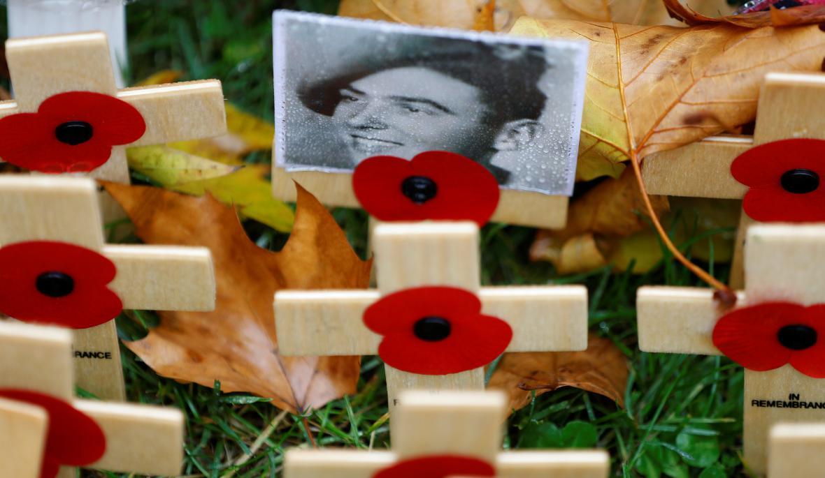 V Londýně si na tzv. Poli vzpomínek připomněli veterány