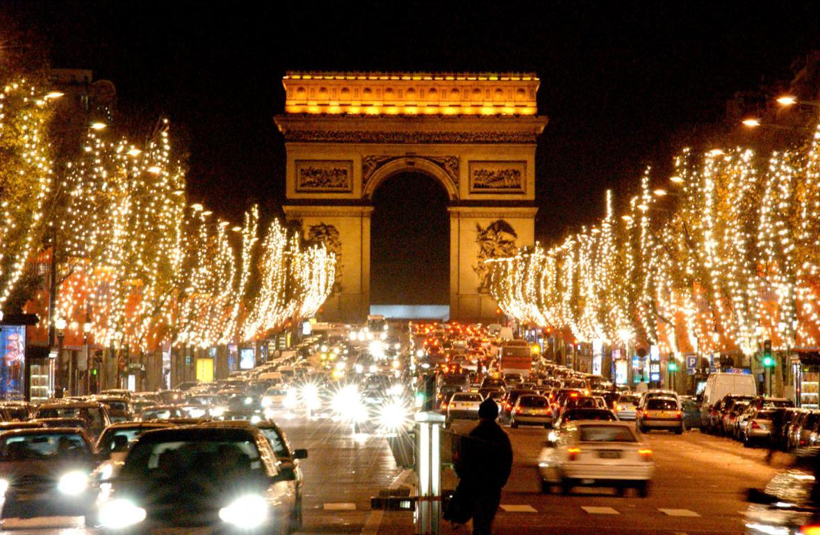 Vánoční výzdoba na Champs-Elysées